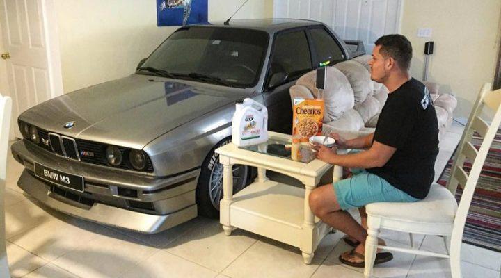 Друг в беде не бросит: американец укрыл BMW M3 у себя дома