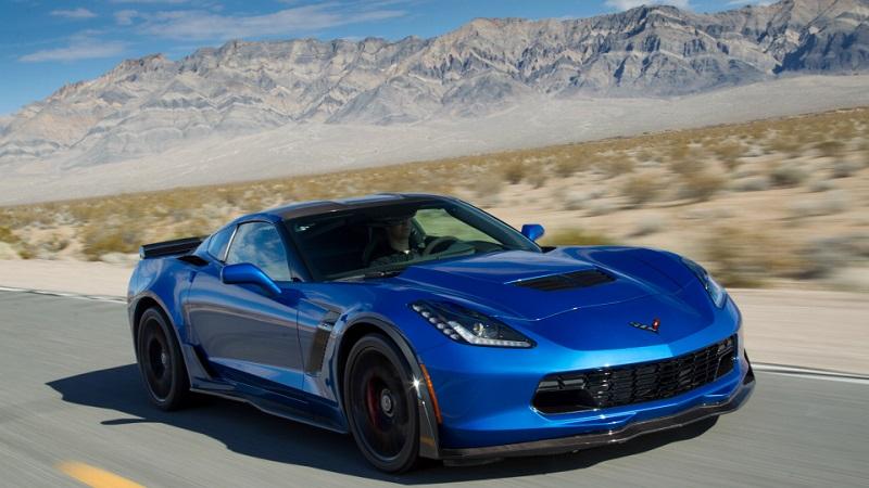 Мошенник из США заставил женщин купить ему Corvette и Lamborghini