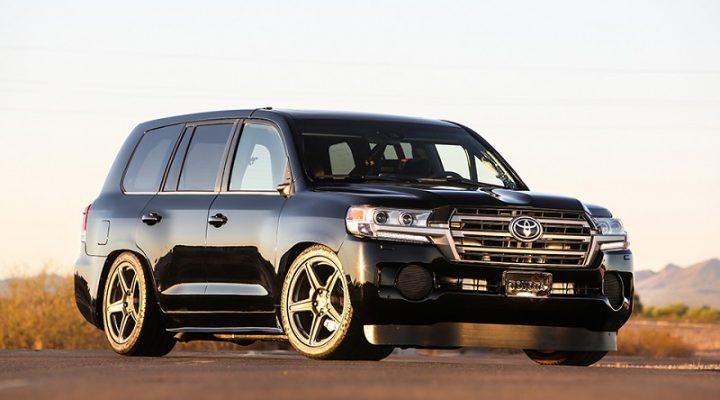 2000-сильный Toyota Land Cruiser