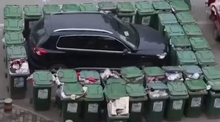 Подборка интересных видеороликов: кортеж японского премьер-министра и погром аэропорта в Казани