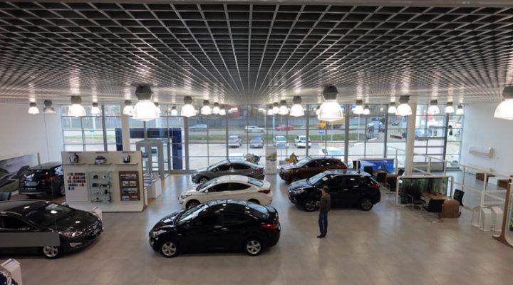 Продажи новых автомобилей в России застыли в мертвой точке