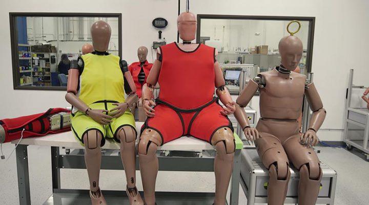 Манекены для краш-тестов в США «толстеют» и «стареют» вслед за американцами