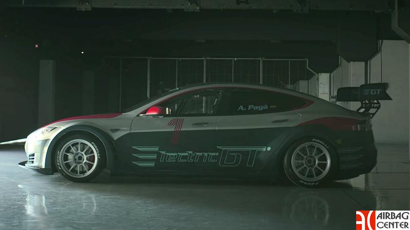 Электроседан Tesla Model S